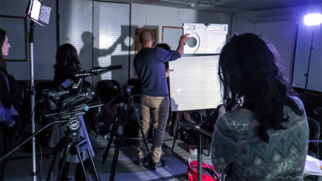סדנה צילום תאורה בימוי מצלמה הכנה לסרט גמר